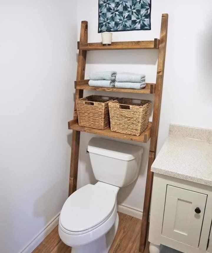 Lindas ideias de prateleiras para banheiro