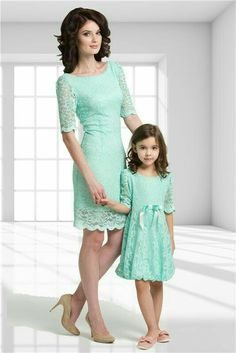 99065e726e9ca69b62d949ad8456b373-matching-outfits-mother-daughter-dresses-5095036-6538994-9752532-8052688