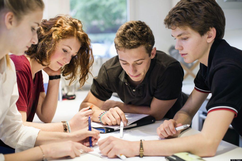 As Dificuldades dos Jovens de Ingressarem no Mercado de Trabalho