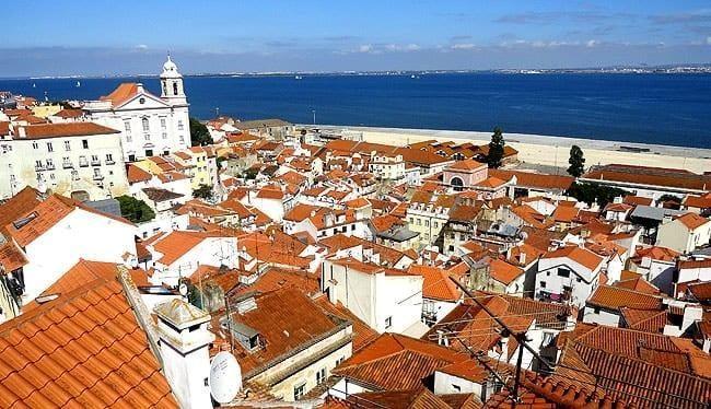 lisboa-bairro-a-bairro-alfama-miradouro-das-portas-do-sol-7913537-1406425-8438345