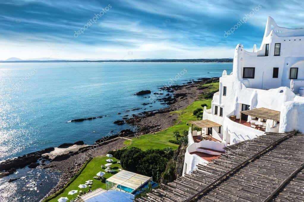 depositphotos_20843087-stock-photo-casapueblo-punta-del-este-beach-4022489-5201247-5643988